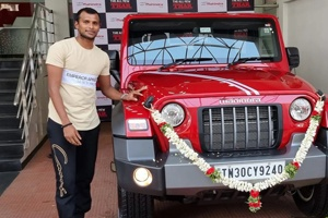 આનંદ મહિન્દ્રા gifts car T.Natarajan