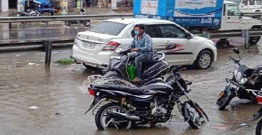 મુંબઇમાં ફરી ભારે વરસાદથી સર્વત્ર જળબંબાકાર