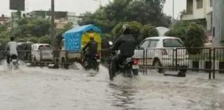 અમદાવાદમાં મેઘો મંડાયો : અનેક વિસ્તારોમાં ધોધમાર વરસાદ