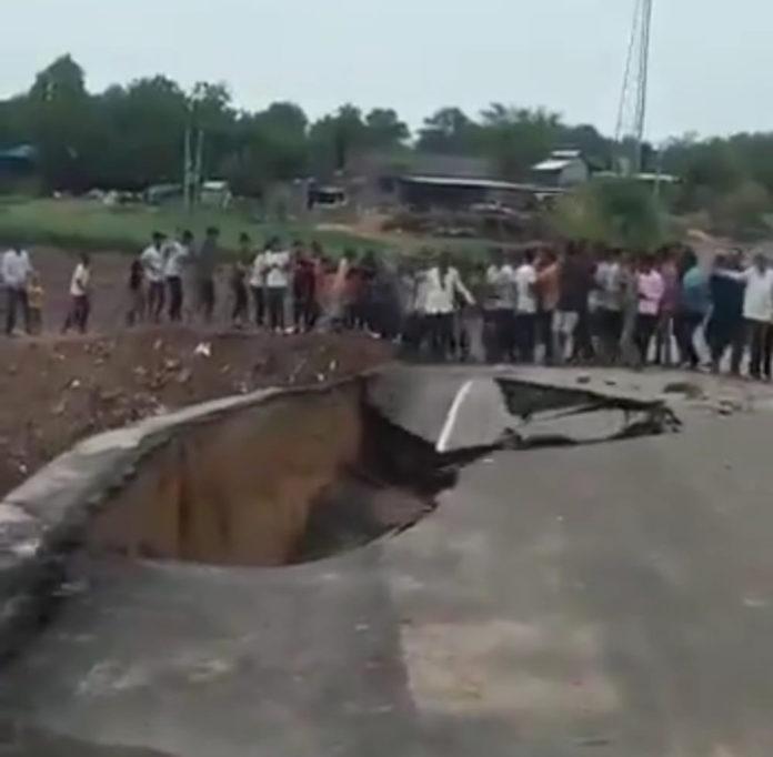 પાલનપુરના વેડંચાગામ પાસે નદીનો કોઝ-વે તણાયો