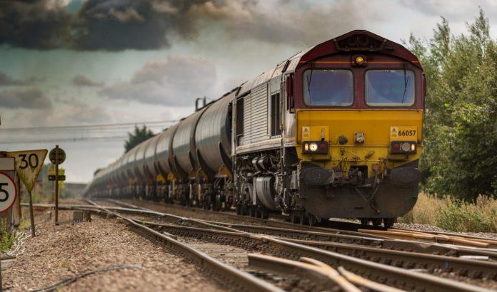 ઓખા-હાવડા અને પોરબંદર-હાવડા ટ્રેનો વધુ 2 મહિના દોડશે.