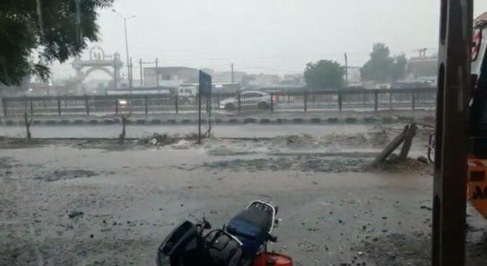 ઉમરગામમાં મેઘાની તોફાની બેટિંગ : 2 કલાકમાં 9 ઇંચ વરસાદ ખાબક્યો