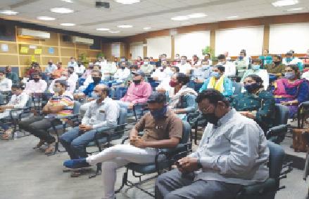 રાજકોટ જિલ્લાના તલાટીની 200 જગ્યા ખાલી ; 572ની સામે 372 તલાટી ફરજ પર