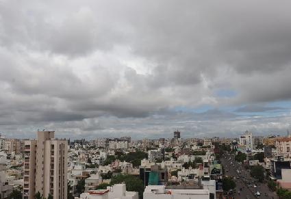 રાજકોટ-સૌરાષ્ટ્રના આકાશમાં વાદળો ઘેરાય છે પણ ચિંતાના